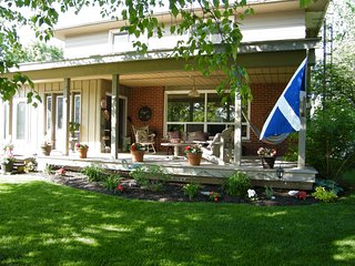 912 Scotland Guest House - Twin Room - Fergus vacation rentals