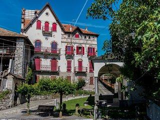 Castello Belvedere Centonara, appartamento grigio - Madonna del Sasso vacation rentals