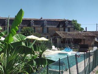 """Gîte """"La Vieille Cure"""" - Couhé vacation rentals"""