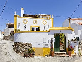 Charming House with Internet Access and A/C - Azoia vacation rentals