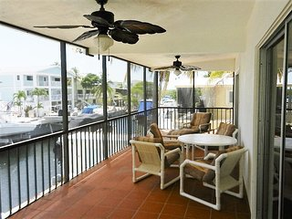 Canal Front 2 bed / 2 bath.  Bring Your Boat! - Key Largo vacation rentals