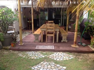 Tropical Oasis, cozy apartment under coconut trees - Baie Nettle vacation rentals