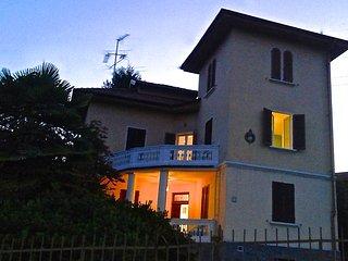 SWANLAKE B&B (The WHITE ROOM) - Nebbiuno vacation rentals