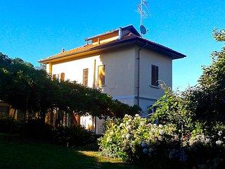 SWANLAKE B&B (The Green Room) - Nebbiuno vacation rentals