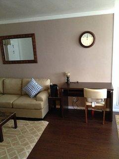 Furnished 1-Bedroom Apartment at Barrington Way & Lukens Pl Glendale - Glendale vacation rentals