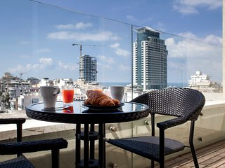 Beach penthouse with city view - Tel Aviv vacation rentals
