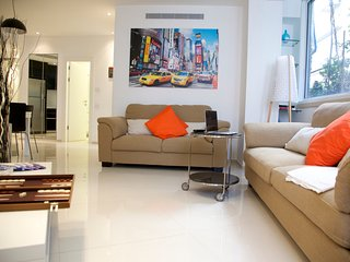 Luxury & Quiet steps to the beach - Tel Aviv vacation rentals