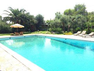 Monolocale/chalet con cucina e vista piscina - Monteroni di Lecce vacation rentals
