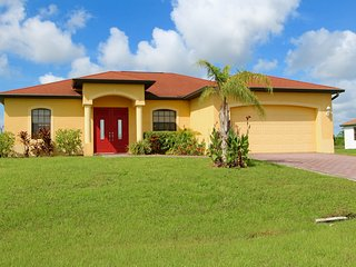 Perfect House with Deck and Internet Access - Lehigh Acres vacation rentals