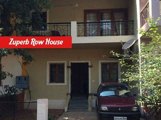 2 bedroom row house,3 mins walk to the beach etc - Calangute vacation rentals