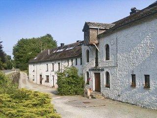 10 bedroom House with Internet Access in Saint-Hubert - Saint-Hubert vacation rentals