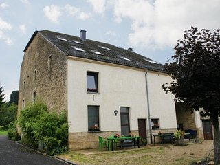 Bright 6 bedroom House in Florenville - Florenville vacation rentals