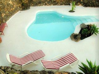 Casa Los Olivos, piscina estilo jameos del agua - Macher vacation rentals