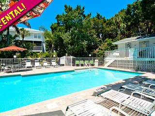 Lovely Condo with Deck and Internet Access - Holmes Beach vacation rentals