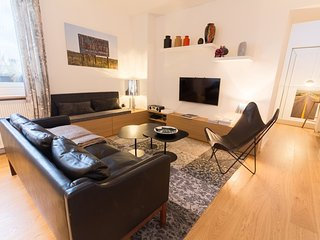 Cozy 2 bedroom Apartment in Nantes with Internet Access - Nantes vacation rentals