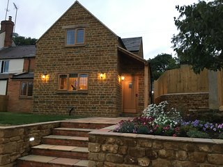 Forget-Me-Not  Cottage, North Newington - Wroxton vacation rentals