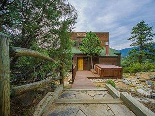 Views and Hot Tub near Rocky Mountain Nat'l Park - Estes Park vacation rentals