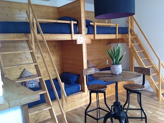 Backpackers Room in Skindles Guesthouse 2/4 person - Poperinge vacation rentals