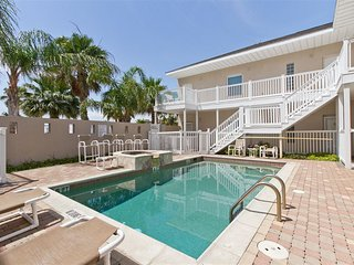 Luxury 2BR Condo Half Block to Beach Wanna Wanna - Port Isabel vacation rentals