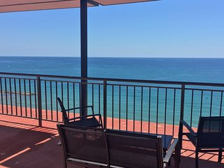 Fully renovated apartment on the Beach in Alicante - Alicante vacation rentals
