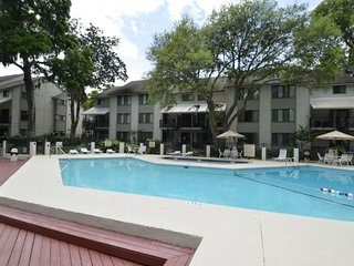 Lovely Villa with Deck and Internet Access - Hilton Head vacation rentals