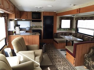 Stationary 33 foot Camper Waco or Temple Texas - Eddy vacation rentals