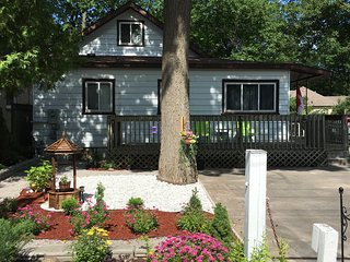 D' Beach House - Wasaga Beach vacation rentals