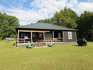 Picture-perfect lakefront cottage w/ a shared tennis court & dock! - Grand Isle vacation rentals