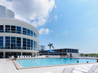Contemporary condo w/ community pool, gym, near beach! - Miami Beach vacation rentals