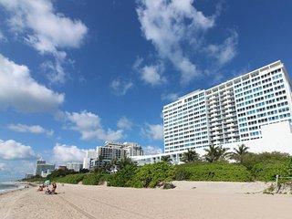 Stylish waterfront studio w/bay views, shared pool, & beach access - Miami Beach vacation rentals