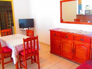 Bas de villa type F2 (logement entier) - Baie-Mahault vacation rentals