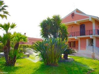 VILLA STERLIZIA - elegante residenza tra il verde e il mare - Avola vacation rentals