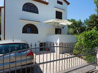 Beautiful 2 bedroom House in Porec - Porec vacation rentals