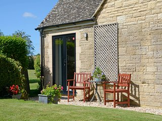 Jasons Garden Apartment - a Tranquil Haven - Bourton-on-the-Water vacation rentals