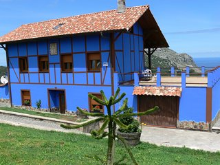A golfview country Basque house - El Puente vacation rentals