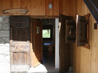 Cozy Chalet with Television and Central Heating - Comeglians vacation rentals