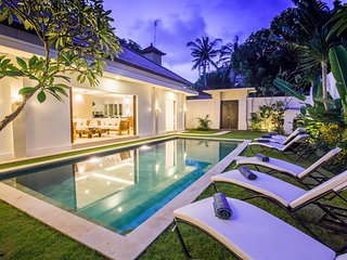 4 BDR ENCLOSED VILLA POOL LEGIAN BORDER SEMINYAK - Legian vacation rentals