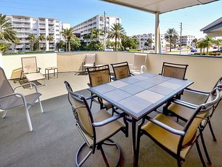 Sea Rocket #15 - 2nd Floor w/ Private Deck and King Bed - Steps to the Beach! - North Redington Beach vacation rentals