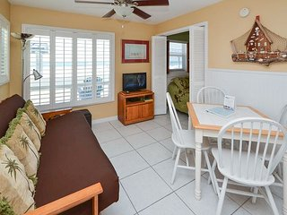 Sea Rocket #6 - Directly Gulf Front with New Kitchen and Great Gulf View! - North Redington Beach vacation rentals