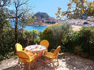 CHARMING APARTMENT with CASTLE & SEA VIEWS - Tossa de Mar vacation rentals