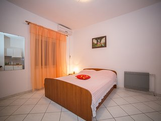 TH01888 Apartments Ina / Studio A2 - Povlja vacation rentals