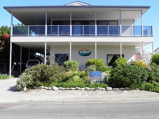 Nice House with Deck and A/C - Coffin Bay vacation rentals