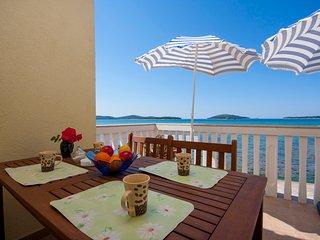 TH01239 Apartments Grivičić / One bedroom A1 - Zaboric vacation rentals