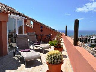Fantastic penthouse in Fuengirola Hills - Fuengirola vacation rentals