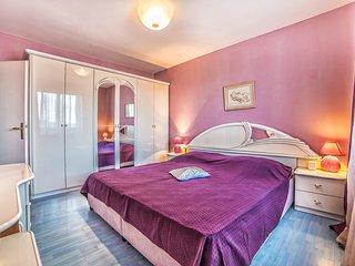 TH02014 Apartments Mila / Family 7 A3 - Banjole vacation rentals