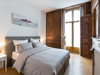HAUTE-COUTURE - Elegant appartement plein centre - Rennes vacation rentals
