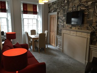 Royal Mile by Edinburgh Castle 2 bedroom 2 shower - Edinburgh vacation rentals