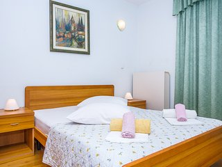 TH03411 Apartments Jerkan / Studio br. 17 - Podstrana vacation rentals