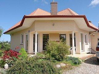 Bright 4 bedroom House in Karwienskie Bloto - Karwienskie Bloto vacation rentals