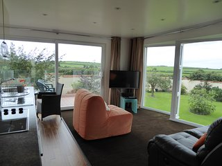 'Faraway', Carmarthen Bay - Peace and Quiet, Views - Ferryside vacation rentals